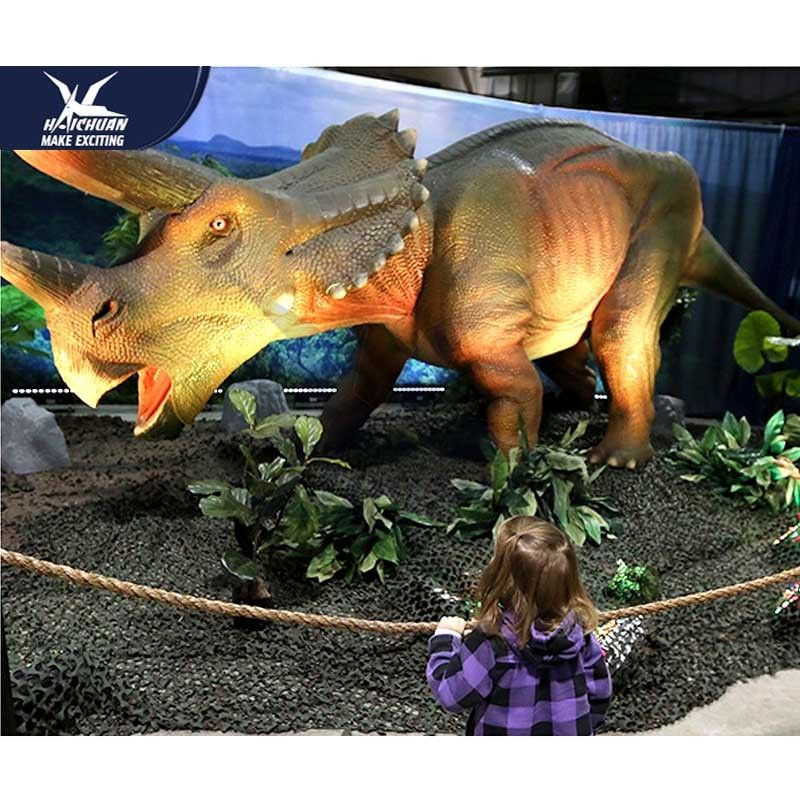Water Resistant 4 Meters Large Realistic Dinosaur Models For Museum / Square